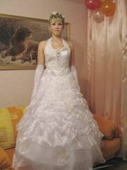 Продам свадебное платье,  шубку,  вечерние платья