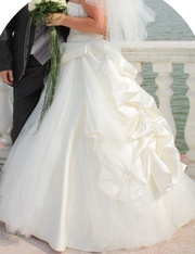 Свадебное платье из Польши,  модель 2010г.,  одето всего один раз